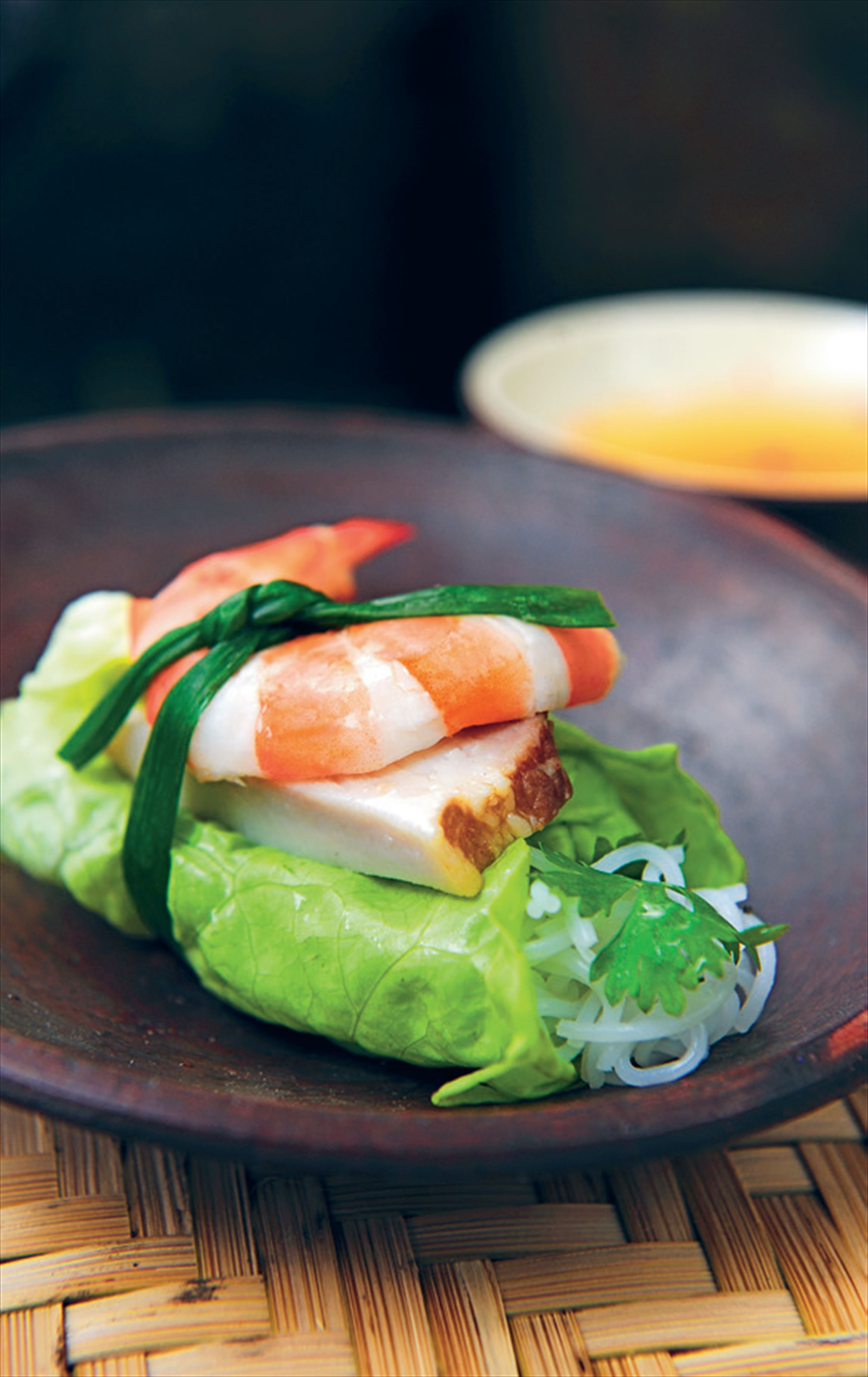 Prawn and pork lettuce rolls